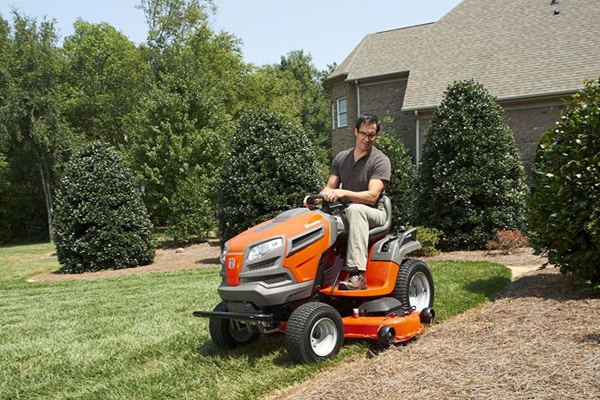 Husqvarna | Lawn Care | Riding Lawn Mowers for sale at Red Power Team, Iowa