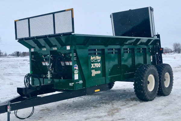 Art's Way | Vertical Beater Manure Spreaders | Model X700 Manure Spreader for sale at Red Power Team, Iowa