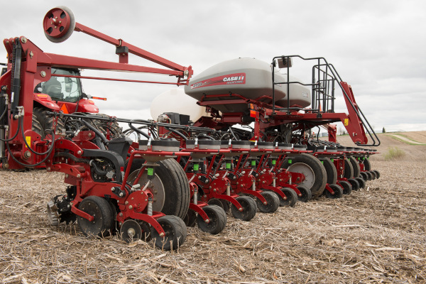 Case IH | 2000 Series Early Riser® Planter | Model 2150 Front-Fold 16Row 30 for sale at Red Power Team, Iowa