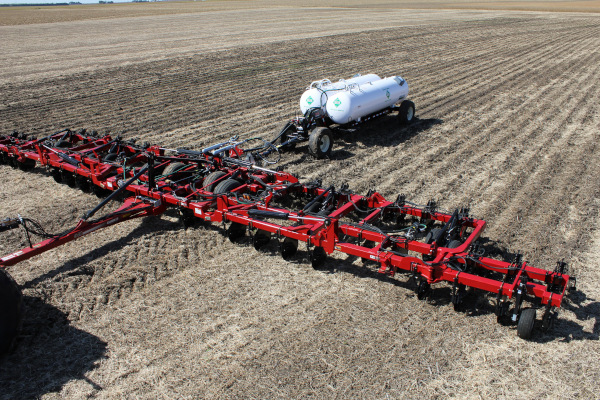 Case IH | Nutri-Placer® Pull-type Fertilizer Applicators | Model Nutri-Placer 940 for sale at Red Power Team, Iowa
