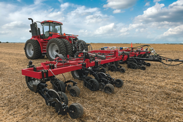 Case IH | Application Equipment | Nutri-Placer® Pull-type Fertilizer Applicators for sale at Red Power Team, Iowa