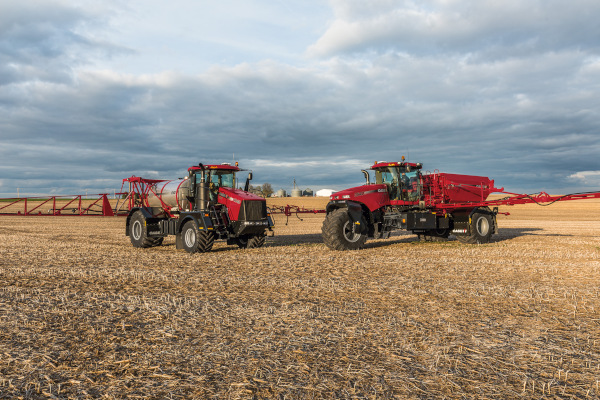 Case IH | Application Equipment | Titan™ Series Floaters for sale at Red Power Team, Iowa