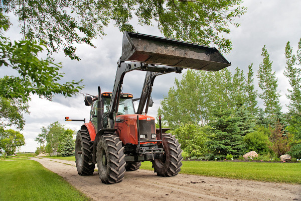 Farm King | Commercial Equipment | Front-End Loaders for sale at Red Power Team, Iowa