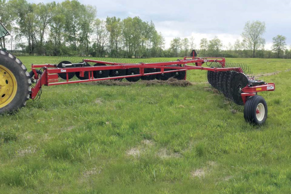 H&S | Rakes | 6100 Series Flex-Frame Rakes for sale at Red Power Team, Iowa