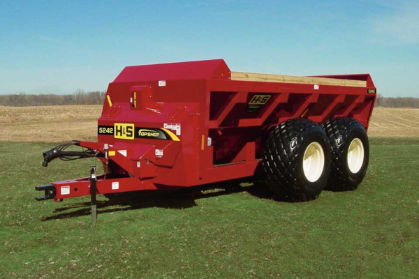 H&S | Manure Spreaders | Top Shot Side Discharge Manure Spreaders for sale at Red Power Team, Iowa