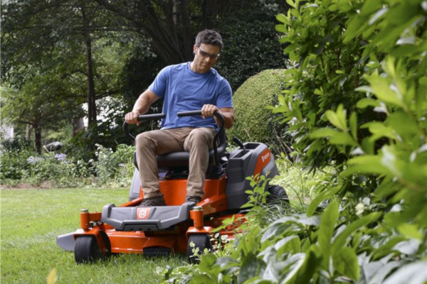 Husqvarna | Lawn Care | Zero Turn Mowers for sale at Red Power Team, Iowa