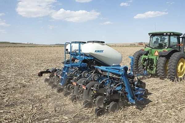 Kinze | Pivot Fold | Model 3505 for sale at Red Power Team, Iowa