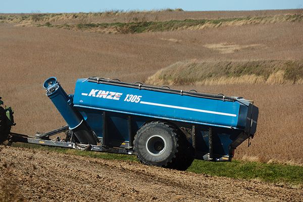 Kinze | Dual Auger Grain Carts | Model 1305 Grain Cart for sale at Red Power Team, Iowa