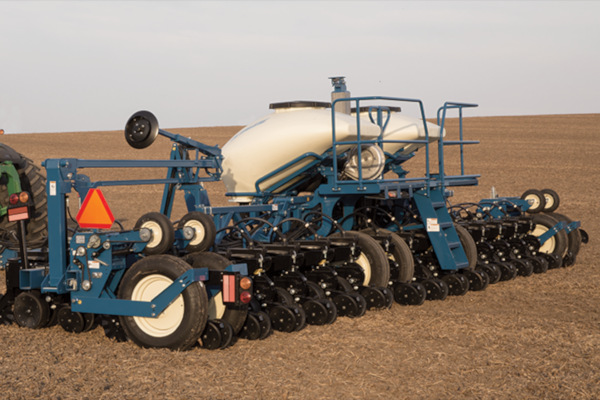 Kinze | Pivot Fold | Model 3600 for sale at Red Power Team, Iowa