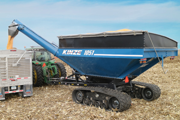 Kinze | Grain Carts | Single Auger Grain Carts for sale at Red Power Team, Iowa