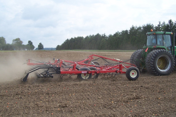Salford Group | Field Cultivators | 450 S-Tine and C-Shank Cultivators for sale at Red Power Team, Iowa