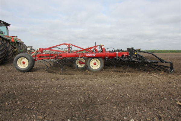 Salford Group 550 S-Tine, two-piece S-tine, and C-shank Cultivators for sale at Red Power Team, Iowa