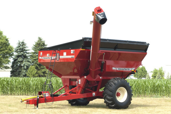 Unverferth | Grain Handling | Mid Size Corner-Auger Grain Carts for sale at Red Power Team, Iowa