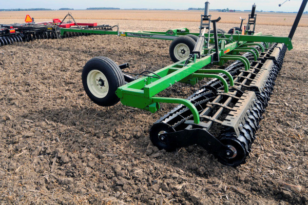Unverferth | Seedbed Tillage | Rolling Harrow® Soil Conditioner for sale at Red Power Team, Iowa