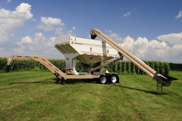 Unverferth | Seed Runner Bulk Tender - 55 Series | Model 3755 for sale at Red Power Team, Iowa