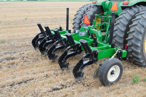 Unverferth | Zone-Builder® Subsoiler | Model 122 Spring-Cushioned Reset for sale at Red Power Team, Iowa