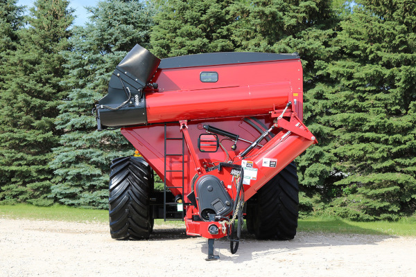Unverferth | 20 Series Dual-Auger Grain Carts | Model 1620 for sale at Red Power Team, Iowa