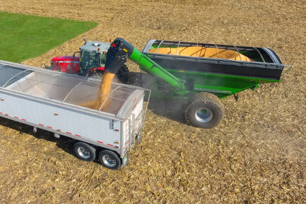 Unverferth | Grain Handling | 60 Series Corner-Auger Grain Carts for sale at Red Power Team, Iowa
