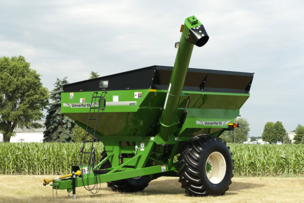 Unverferth | Mid Size Corner-Auger Grain Carts | Model 6225 for sale at Red Power Team, Iowa