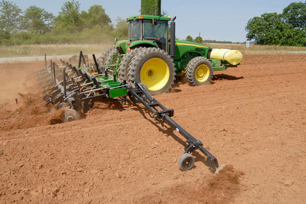 Unverferth | Seedbed Tillage | Ripper-Bedder for sale at Red Power Team, Iowa