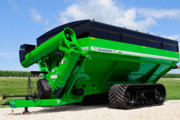 Unverferth | 20 Series Dual-Auger Grain Carts | Model 1610 for sale at Red Power Team, Iowa
