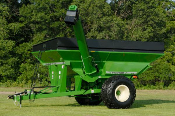 Unverferth | Mid Size Corner-Auger Grain Carts | Model 9250 for sale at Red Power Team, Iowa