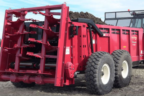 Art's Way | Vertical Beater Manure Spreaders | Model V140 Manure Spreader for sale at Red Power Team, Iowa