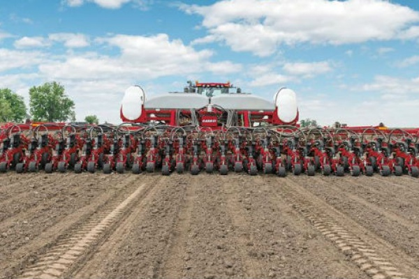Case IH | 2000 Series Early Riser® Planter | Model 2140 Pivot-Transport Split-Row 16/32R for sale at Red Power Team, Iowa