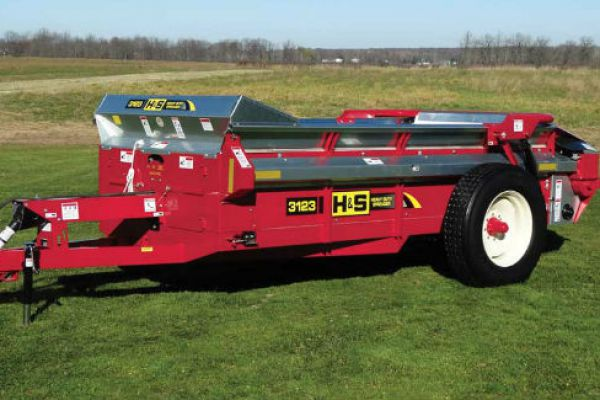 H&S | Heavy Duty Manure Spreaders | Model Model 3123 for sale at Red Power Team, Iowa