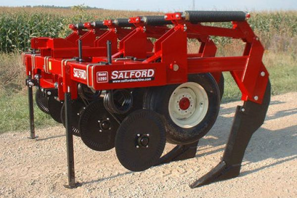 Salford Group | Tillage | In-Line Rippers for sale at Red Power Team, Iowa