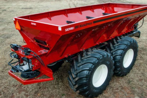 Salford Group | BBI Spreaders | Model BBI MagnaSpread for sale at Red Power Team, Iowa