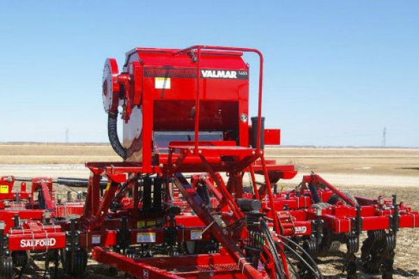 Salford Group | VALMAR 55 Series Implement-Mount Granular Applicators | Model VALMAR 1655 for sale at Red Power Team, Iowa
