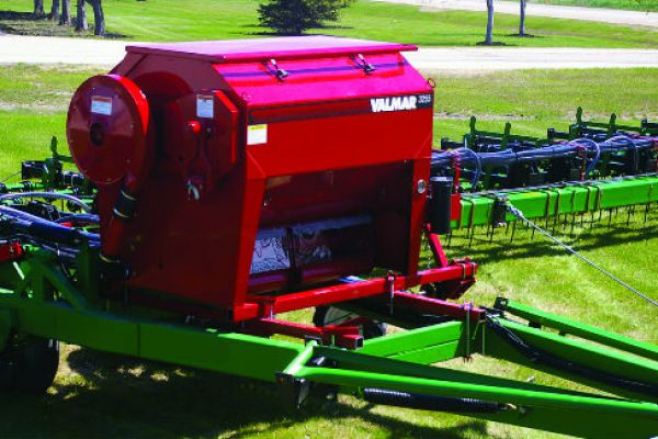 Salford Group | VALMAR 55 Series Implement-Mount Granular Applicators | Model VALMAR 3255 for sale at Red Power Team, Iowa