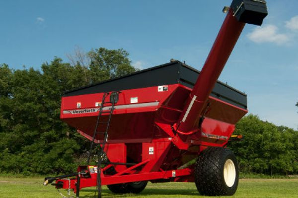 Unverferth | Mid Size Corner-Auger Grain Carts | Model 8250 for sale at Red Power Team, Iowa