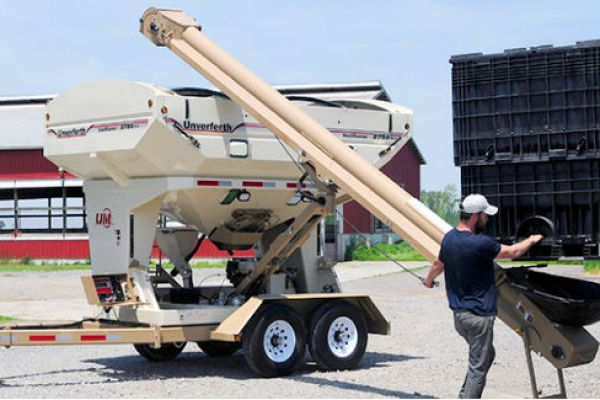 Unverferth | Seed Runner Bulk Tender - 55 Series | Model 2755XL for sale at Red Power Team, Iowa