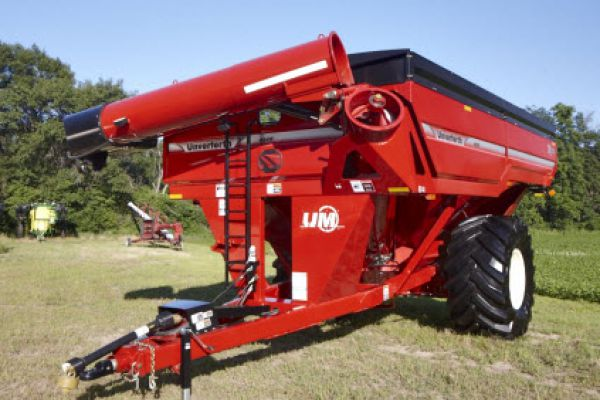 Unverferth | X-TREME Front-Fold Auger Grain Carts | Model 1015 (Prior Model) for sale at Red Power Team, Iowa