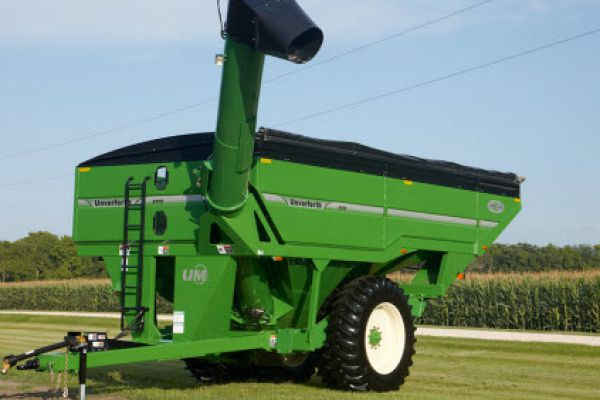 Unverferth | X-TREME Front-Fold Auger Grain Carts | Model 1315 (Prior Model) for sale at Red Power Team, Iowa