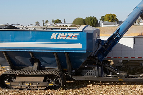 Kinze | Dual Auger Grain Carts | Model Model 1100 for sale at Red Power Team, Iowa