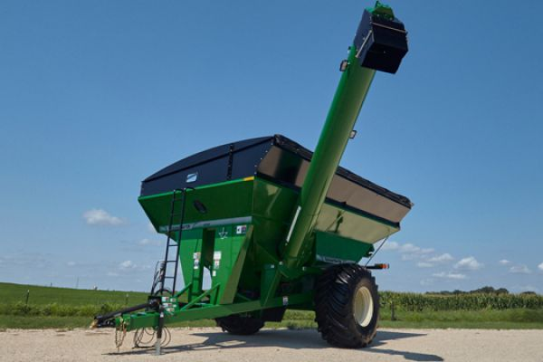 Unverferth | Mid Size Corner-Auger Grain Carts | Model 1050 for sale at Red Power Team, Iowa
