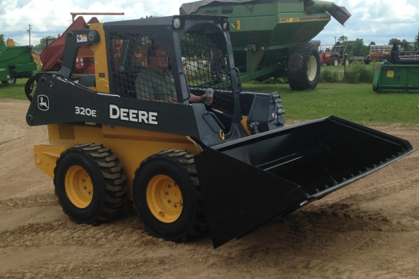 Berlon Attachments MDHV-102 for sale at Red Power Team, Iowa